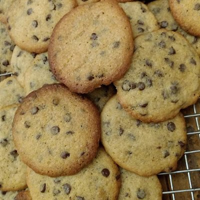 Buttery Almond Chocolate Chip Cookies